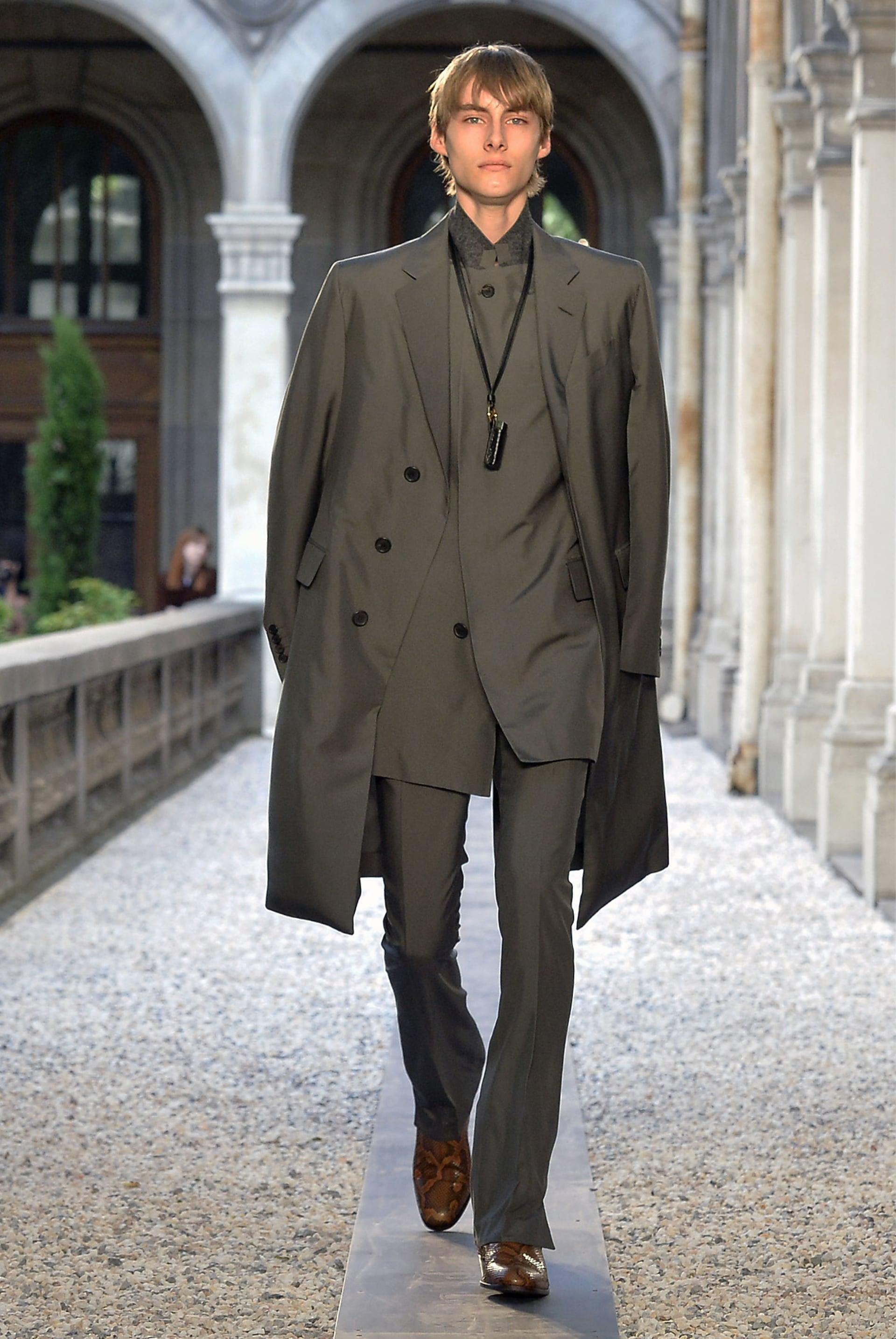 4db4b03b9 SS 2019 Looks | Men's Fashion Week Paris | dunhill Online Store